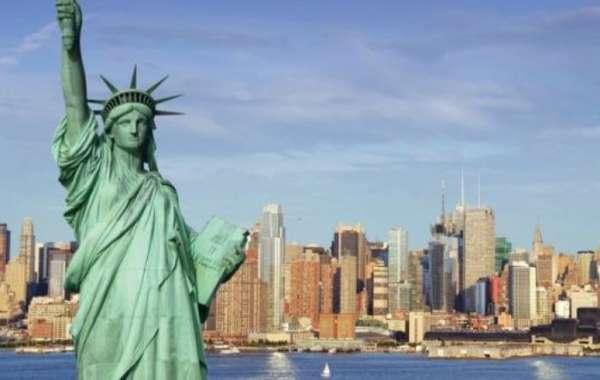 """شاهد.. آراء سياحية """"غريبة"""" في الأهرامات وأمريكا وإيطاليا"""